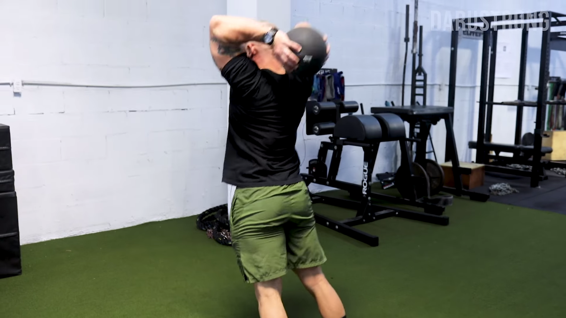 Increase Your Knockout Power With These 6 Medicine Ball Exercises 1